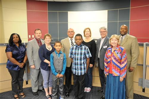 Mott Elementary students Bernard Morgan and Aiden Collins recited the U.S. and Texas pledges